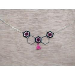 Collier hexagones